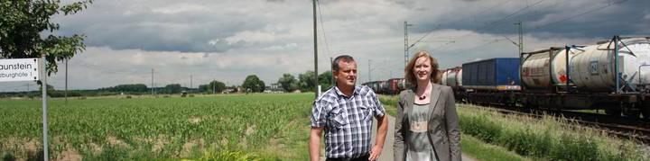 Kerstin Andreae besucht Bauern an der Rheintalbahnstrecke bei Offenburg